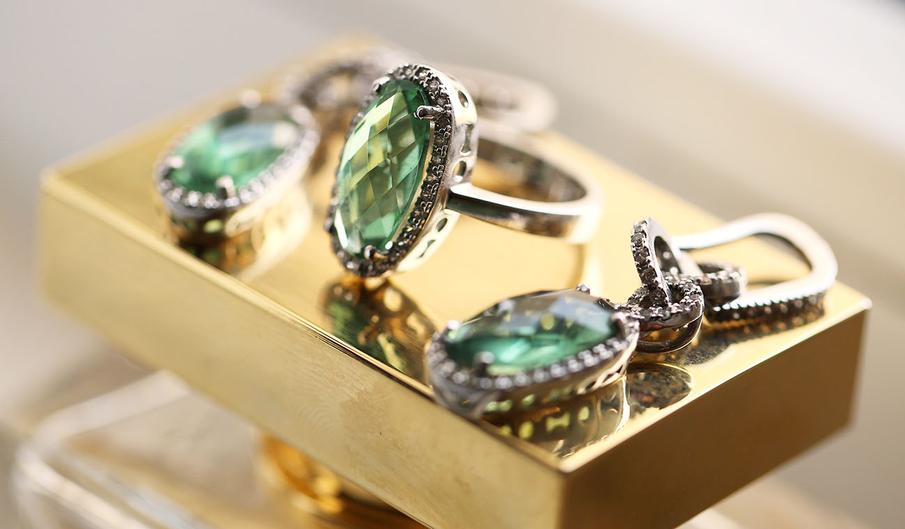 Emerald ring and earrings